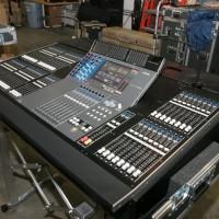 Yamaha M7CL48-ES Mixer